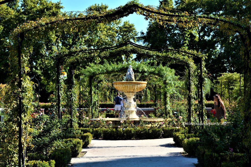 Gradina trandafirilor din Parcul Retiro, Madrid