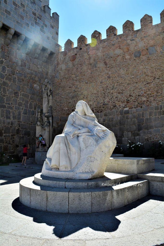 Statuia Sfintei Teresa, Avila