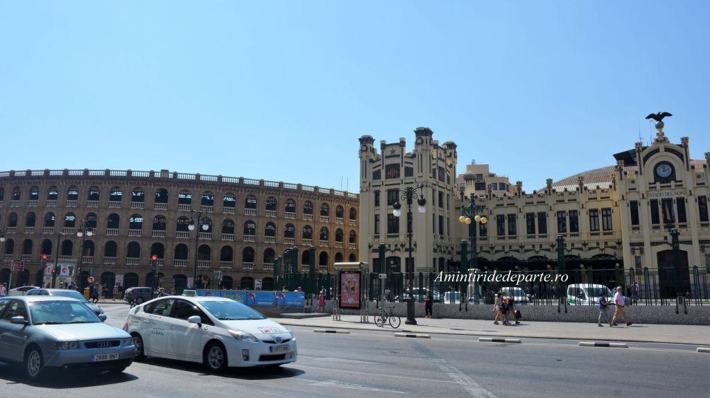 Arena de Tauri si Gara de Nord din Valencia