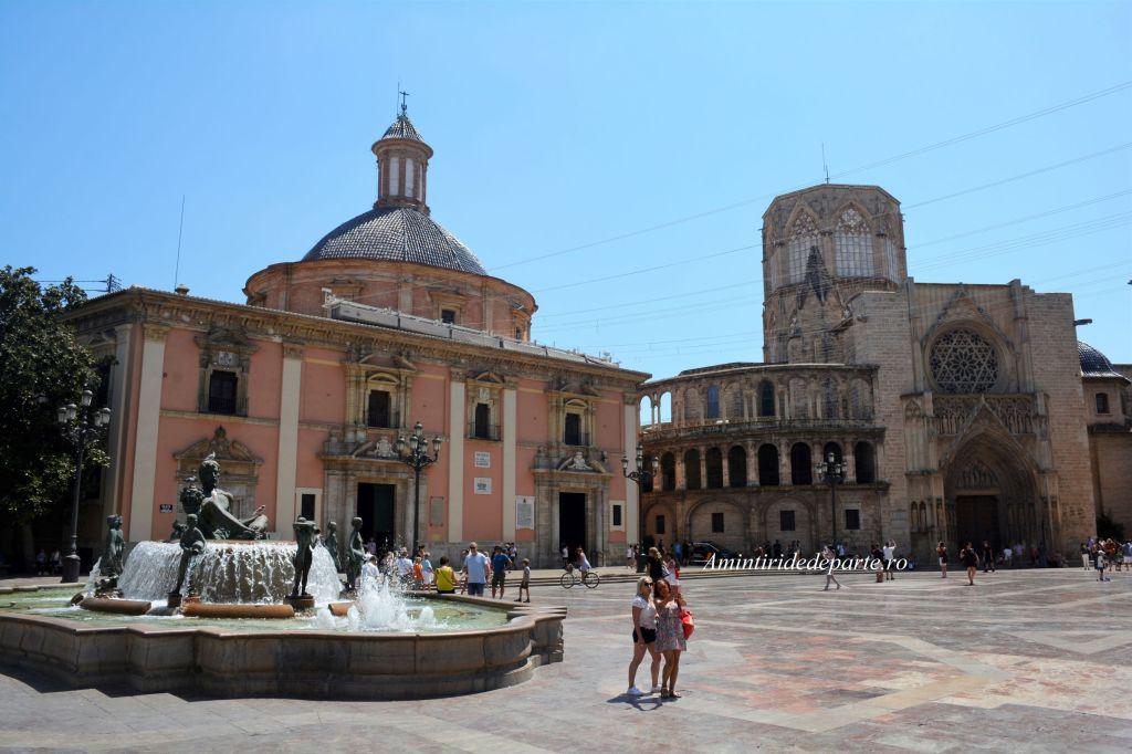 Catedrala Santa Maria si Basilica de la Virgen de los Desamparados, Valencia