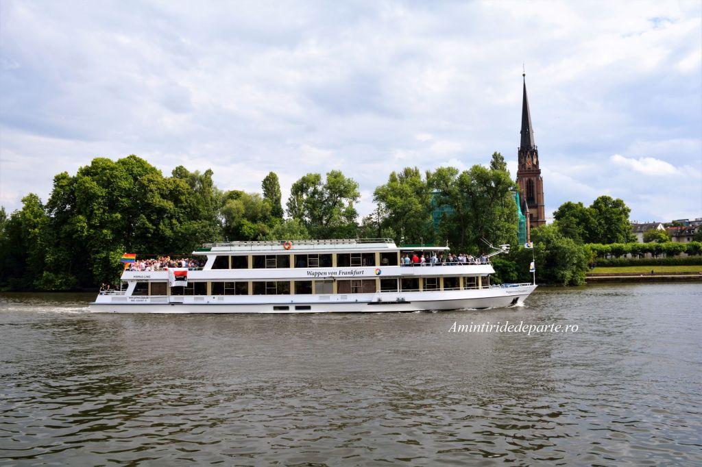 croaziera pe raul Main din Frankfurt