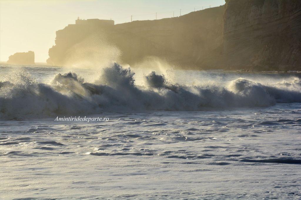 valurile din Nazare, Portugalia