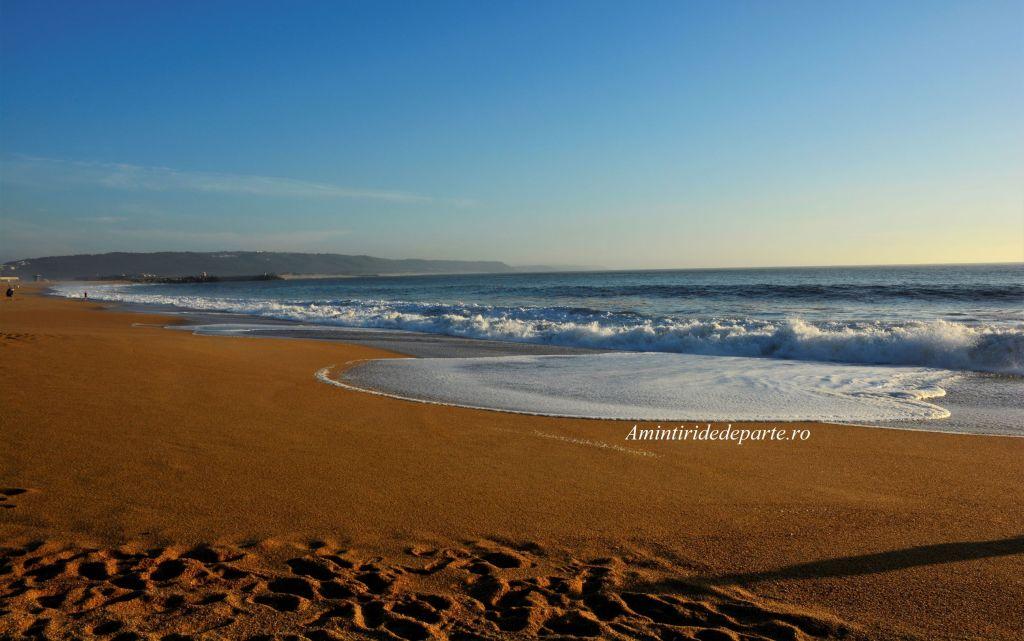 plaja din Nazare, Portugalia