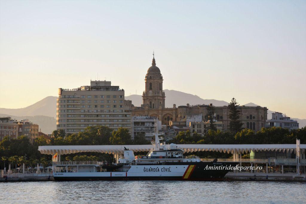 portul si catedrala din Malaga