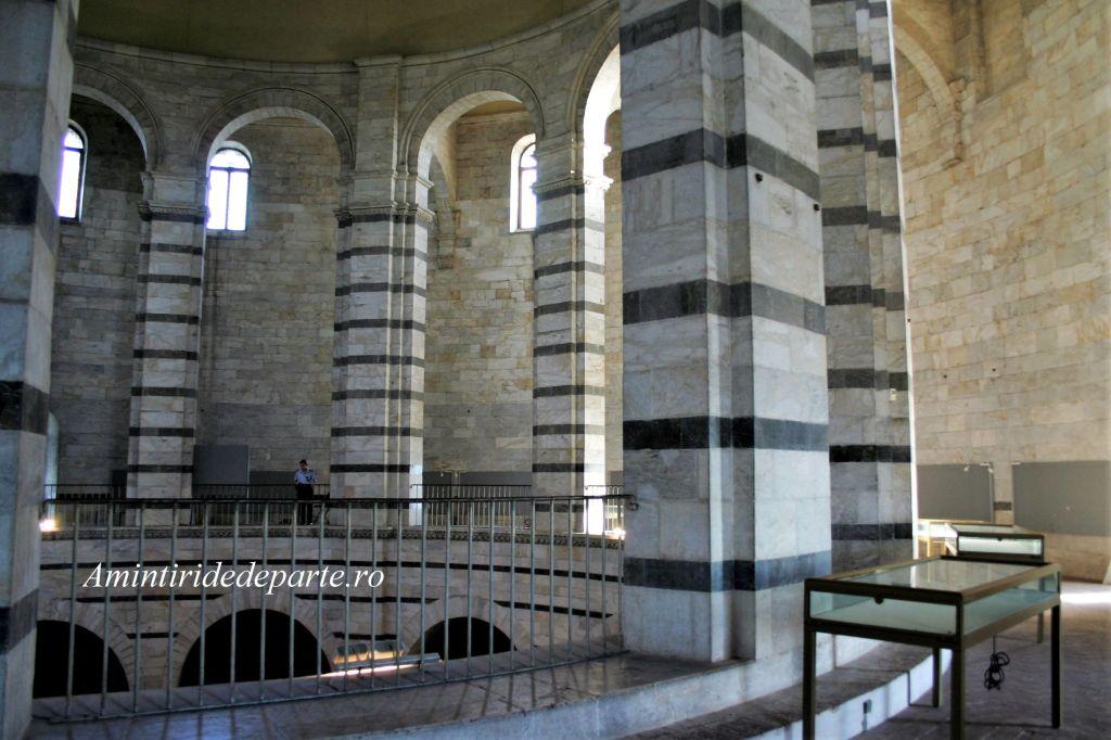 Baptisteriul din Pisa